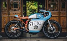 Enginethusiast Little Horse Cycles Honda CB550 Cafe Racer