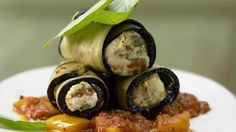 Auch für low-carb geeignet: Auberginen-Cannelloni mit Ziegenfrischkäse | http://eatsmarter.de/rezepte/auberginen-cannelloni