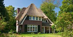 Rietgedekte villa Huizen - i.o.v. Bouwbedrijf Lichtenberg
