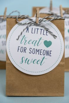 Birthday Gifts Mother Party Favors Ideas For 2019 Teacher Gift Tags, Teacher Birthday Gifts, Mother Birthday Gifts, Mother Gifts, Fall Teacher Gifts, Birthday Tags, Birthday Crafts, Cake Birthday, Friend Birthday