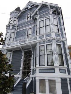 Casa victoriana típica de San Francisco. En San Francisco hay más de 600 ofertas de intercambio de casas y algunas de ellas son con casas victorianas como esta. #swapofthemorning #sanfrancisco #usa