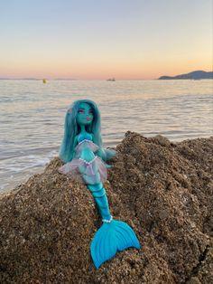 Mermaid doll repaint by Nimphelos Dolls Mermaid Dolls, Doll Repaint, Outdoor Decor