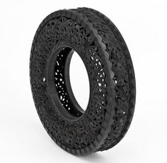 """Talanted and multi-faceted artist and decorator from Belgium Wim Delvoye has created a collection of amazing decorative tires titled """"Pneu"""". This collection contains used car tires with hand-carving intricate patterns… Metal Art, Wood Art, Tire Art, Laser Cutter Ideas, Scratchboard Art, Tire Chairs, Image 3d, Environmental Art, Recycled Art"""