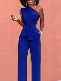 Amaze everyone for the entire evening in this jumpsuit pants. If you want to see more models, we have a wide range of Jumpsuits. Blue Jumpsuits, Jumpsuits For Women, Winter Jumpsuits, Evening Jumpsuits, Vestidos Color Coral, Jumpsuit Outfit, Silk Jumpsuit, Denim Jumpsuit, Elegant Outfit