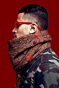 Red & Green. Camouflage. Men. Fashion. Scarf. Warm. Clothing. Attitude. Sidecut. Portrait. Street. Street Style. Glasses. Intense.