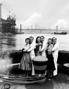 Betty Garrett, Frank Sinatra, Jules Munshin, Vera-Ellen & Gene Kelly