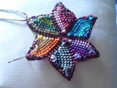 ΠΟΛΥΧΡΩΜΟ ΜΕΝΤΑΓΙΟΝ – kentise Macrame Art, Crochet Earrings, Projects To Try, Bohemian, Pendants, Christmas Ornaments, Holiday Decor, Jewelry, Bags