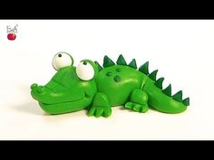 Today I have for you something green. Googly eyes, short legs and a nice smile…