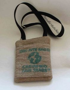 Hessian from coffee sacks -slip pocket and zipper closure. Handmade Fabric Bags, Coffee Sacks, Unique Handbags, Hessian, Slow Fashion, Bag Making, Crossbody Bag, Reusable Tote Bags, Closure