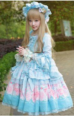 Such a sweet, sweet dress! Harajuku Fashion, Kawaii Fashion, Lolita Fashion, Quirky Fashion, Cute Fashion, Fashion Outfits, Anime Outfits, Girl Fashion, Little Doll