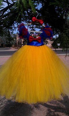 A.S.W. Halloween Photo Session Ideas:Snow White Tutu Dress (Halloween Costume). $50.00, via Etsy.