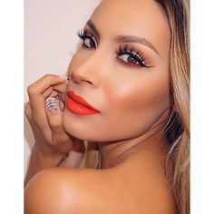 Red lips + 'DOLL ME UP' Velour Lashes = glam.