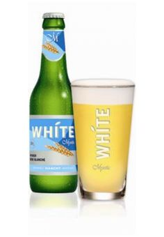 Cerveja White Mystic, estilo Witbier, produzida por Haacht, Bélgica. 5.1% ABV de álcool.