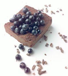 Gluteeniton brownie-resepti, joka taipuu myös suklaakakuksi | Leeni Viio