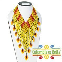 """Collar """"Kametza"""", tejido en mostacillas y elaborado totalmente a mano por la cultura Kametza del departamento de Putumayo. Seed Bead Jewelry, Bead Jewellery, Seed Beads, Beaded Jewelry Patterns, Beading Patterns, Collar Redondo, Seed Bead Projects, Fringe Earrings, Beading Tutorials"""