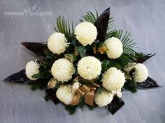 Beautiful Flower Arrangements, Floral Arrangements, Beautiful Flowers, Cemetery Flowers, Arte Floral, Fall Flowers, Funeral, Diy And Crafts, Xmas