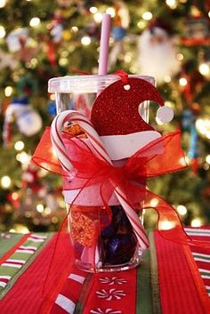 Christmas gift idea for coworkers, teachers or friends. @ Heart-2-HomeHeart-2-Home