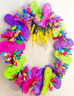 Fun DIY summer wreaths! From flip flops to straw hats and more: http://www.completely-coastal.com/2015/06/best-summer-wreaths-coastal-beach-nautical.html