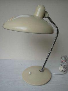 60er/70er Jahre Tischlampe, original Vintage Lampe Luster Schreibtischlampe Nachttischlampe, günstig kaufen und gratis inserieren auf willhaben.at!