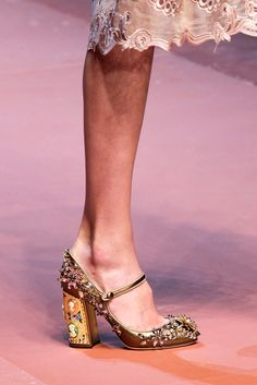 Dolce & Gabbana - Detalles | Galería de fotos 16 de 103 | VOGUE