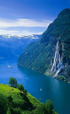 Geirangerfjord, Seven Sisters Waterfall, Norway Beautiful Nature Pictures, Amazing Nature, Nature Photos, Beautiful Landscapes, Beautiful Norway, Beautiful World, Beautiful Places To Visit, Wonderful Places, Places To Travel