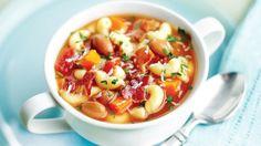 Secretul acestei supe constă în fierberea cepei cu tot cu coajă. Boabele de fasole, scorțișoara și celelalte ingrediente ajută la controlul nivelului de zahăr din sânge.