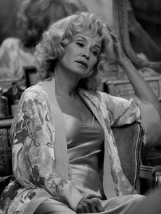 Don't you just miss Jessica Lange in AHS? Anyway, we just saw her again in Ryan Murphy's Feud as Joan Crawford vs Susan Sarandon's Bette Davis. Awesome! Follow rickysturn/american-horror-story