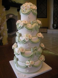 Wedding Cake, a bit over-done. The less, sometimes, is better than more! #Weddings