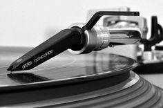 Audio Asylum - Vinyl Asylum - Welcome Licorice Pizza (LP) lovers! Setup guides and Vinyl FAQ. Vinyl Music, Vinyl Records, Vinyl Art, Recording Equipment, Audio Equipment, Record Crate, Record Shelf, Technics Sl 1200, Vinyl Poster