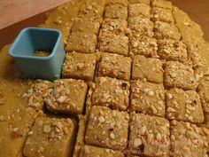 Φανταστικά μπισκότα, τραγανά, πεντανόστιμα!!! Αν θέλετε να έχετε μπισκότα για κάθε στιγμή στο σπίτι σας αυτά είναι τα ιδανικά, τρώγοντ... Sweets Recipes, Cookie Recipes, Cake Bars, Breakfast Snacks, Nutella, Banana Bread, Peanut Butter, Biscuits, Deserts