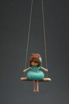 Naald vilten Fairy Doll - MADE TO ORDER door DORIMU op Etsy https://www.etsy.com/nl/listing/464081644/naald-vilten-fairy-doll-made-to-order