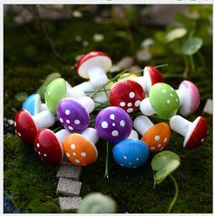 100pcs mixed color resin crafts Decorations Miniature Dot Mushrooms Red fairy garden gnome terrarium Party Garden Decor Gift 2cm