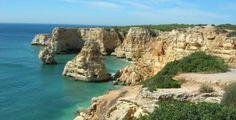 #Recantoslusos O Algarve dispõe de belas praias e paisagens naturais, sendo a zona mais turística das províncias portuguesas. Dois dos maiores complexos turísticos da Europa encontram-se nesta região: Vilamoura, junto à praia da Falésia, e a Praia da Rocha, na zona de Portimão.http://goo.gl/tewMEb