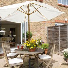 Alfresco summer dining | Small garden ideas | housetohome.co.uk