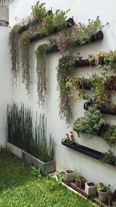 Stunning Vertical Garden for Wall Decor Ideas Do you have a blank wall? do you want to decorate it? the best way to that is to create a vertical garden wall inside your home. A vertical garden wall, also called… Continue Reading → Vertical Wall Planters, Vertical Garden Diy, Easy Garden, Concrete Planters, Indoor Vertical Gardens, Outdoor Wall Planters, Vertical Planting, Window Planters, Metal Planters