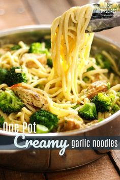 One Pot Skinny Creamy Garlic Noodles, a dinner recipe idea by Favorite Family Recipes. Part of our series on One Pot Meals for Busy Weeknights - because who wants to do more washing up than is necessary? Chicken Pasta Recipes, Broccoli Recipes, Garlic Chicken Pasta, Chicken Broccoli Pasta, Creamy Chicken, Recipes With Pasta Noodles, Pasta Recipes No Cheese, Recipes With Linguine Noodles, Garlic Olive Oil Pasta