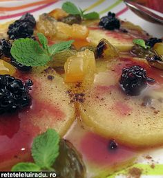 Emperor's apples - caramelized apples with spices, mint and preserved fruits
