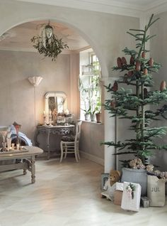OH CHRISTMAS TREE...this has a charm that draws me in....wish i could pull this off one year...