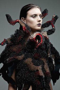 Projektanci mody z Filipin 3 http://modaija.pl/projektanci-mody-z-filipin-na-london-fashion-week/