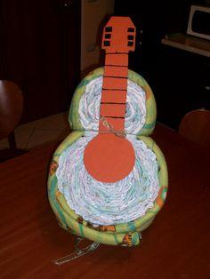 torta di pannolini _  chitarra di pannolini