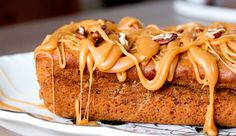 Deze heerlijke dadelcake komt van de fijne blog DoorEten.com. Een absolute aanrader! Haal de pitten uit…
