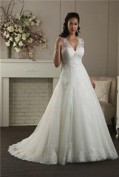 plus size wedding dress #plus #size #fashion...   The TOP of this dress!!