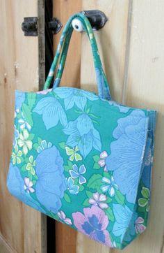 Vintage Margaret Smith Handbag Spring Purse Blue Green Pink Mod Flowers Beauty #MargaretSmith #LargeHandbag