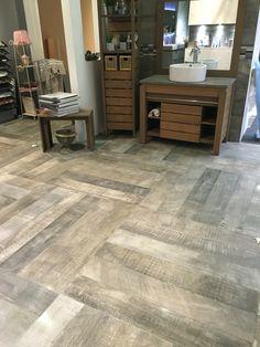 Kendo Sage Green naturel et satiné rectifié Hardwood Floors, Flooring, Kendo, Four Square, Tile Floor, Marble, Full Bath, Bathing, House