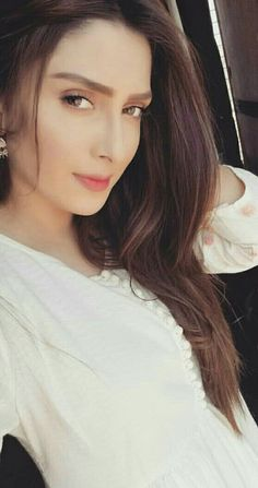Ayeza Khan, Mahira Khan, Pakistani Wedding Outfits, Aiman Khan, Stylish Girl Pic, Cute Girl Photo, Pakistani Actress, Girls Dpz, Hot Actresses