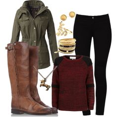Autumn outfit. I love the necklace.