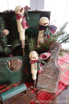 anderson + grant: Antique screwdriver turned painted snowman ornament. Tutorial on how to make your own.