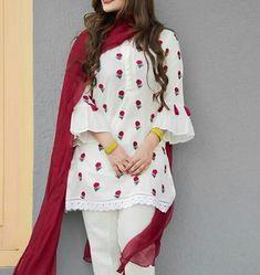 Simple pakistani dress Source by dress pakistani Simple Pakistani Dresses, Pakistani Fashion Casual, Pakistani Dress Design, Pakistani Outfits, Stylish Dress Designs, Stylish Dresses For Girls, Simple Dresses, Casual Dresses, Stylish Girl