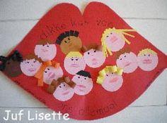 Dag School! afscheidskadootje met echte kusjes van de kinderen op de gezichtjes