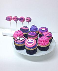 Pink & Purple Superhero Cupcakes and Cake Pops Cupcake Party, Cupcake Cakes, Girl Cupcakes, Super Hero Cupcakes, Cupcakes Design, Fete Emma, Girl Superhero Party, Birthday Cakes For Women, Birthday Cupcakes